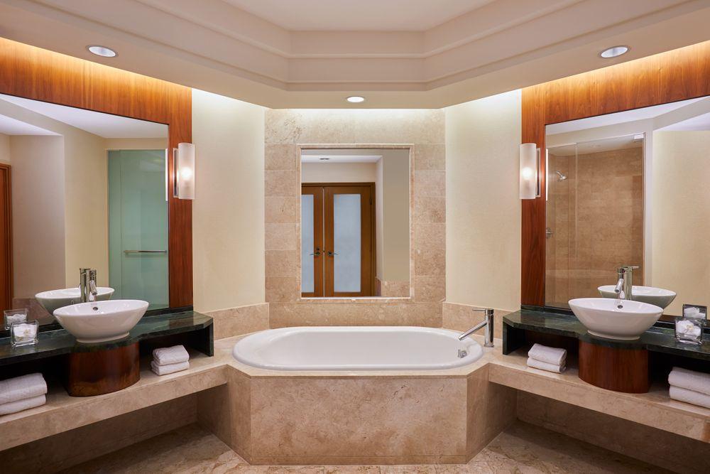 Atlantis Ocean Suite Bath