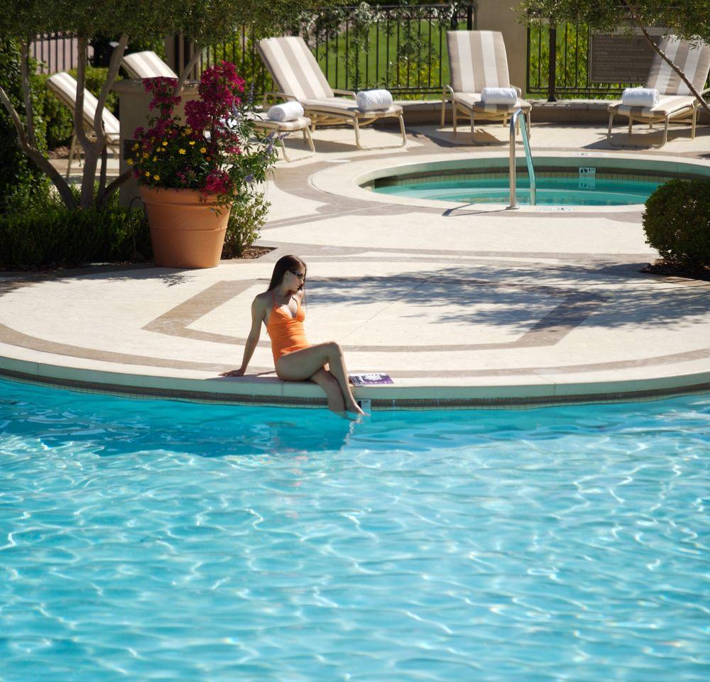 Lady-in-Pool-2.jpg