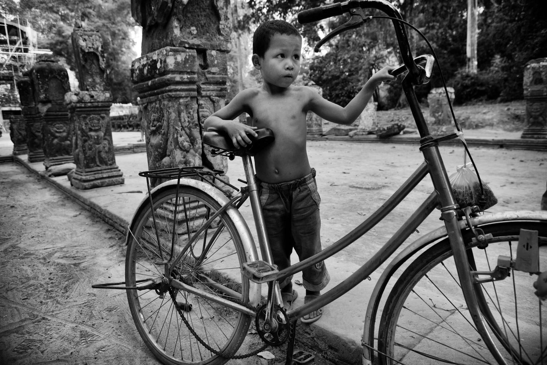 1r20110213_cambodia_272_edit_4