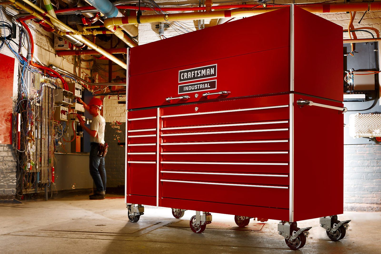 1_industrial__tool_box_sharpen