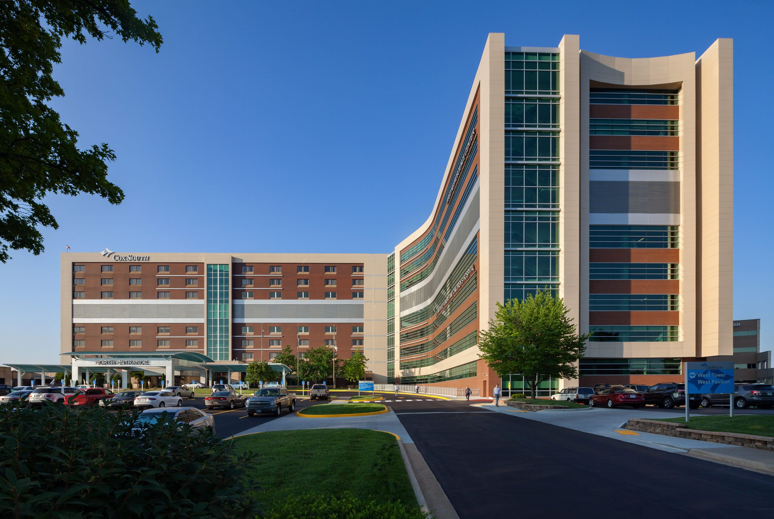 The Beck Group / CoxHealth Dee Ann White Women's and Children's Hospital and Jared Neuroscience Center, Springfield, Missour