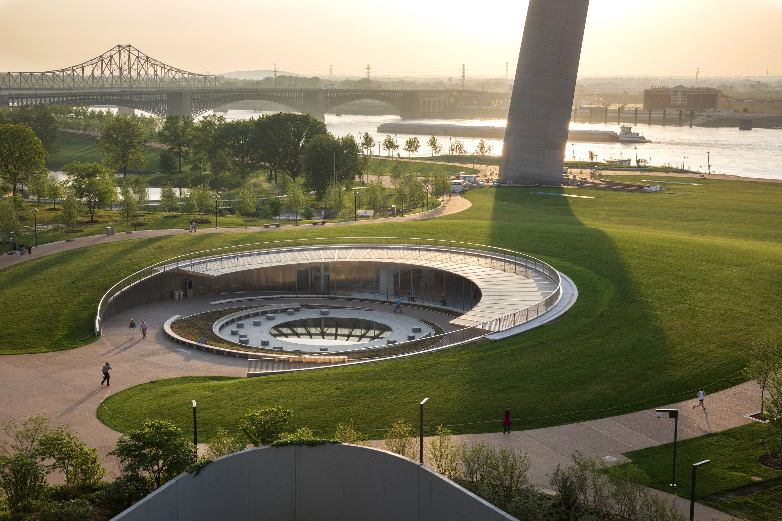 Gateway Arch Park Foundation  /  Gateway Arch National Park Museum, grounds, and Kiener Plaza