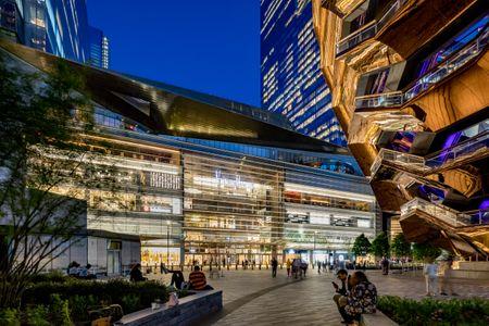 James Carpenter Design Associates  /  West Podium Art Wall at Hudson Yards, New York City
