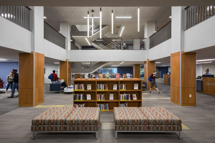 Hastings+Chivetta  /  Millikin University Commons