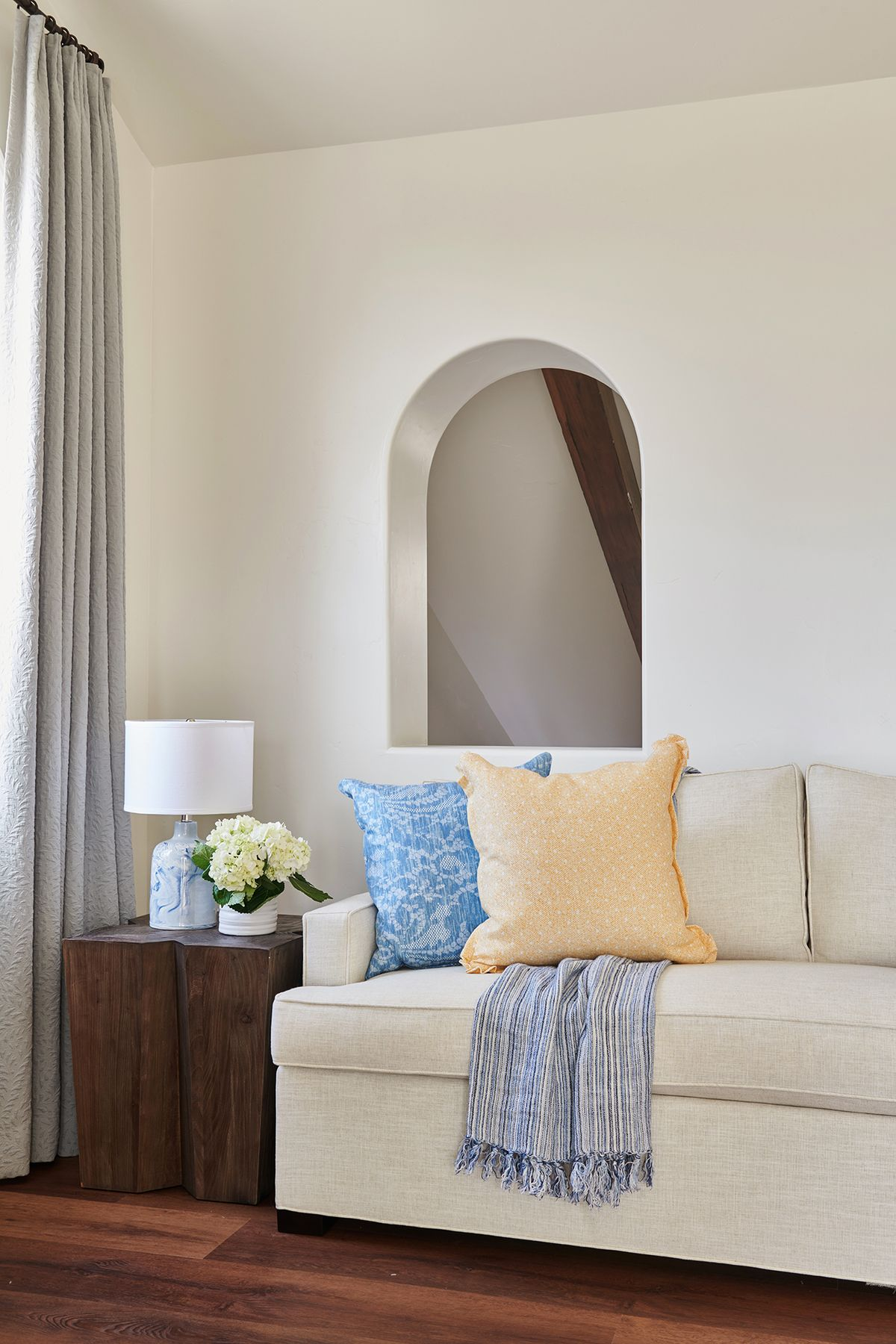 014 Interior Photography Portfolio of Architectural Photographer Peter Christiansen Valli - Kelly Ferm 8th Street.jpg