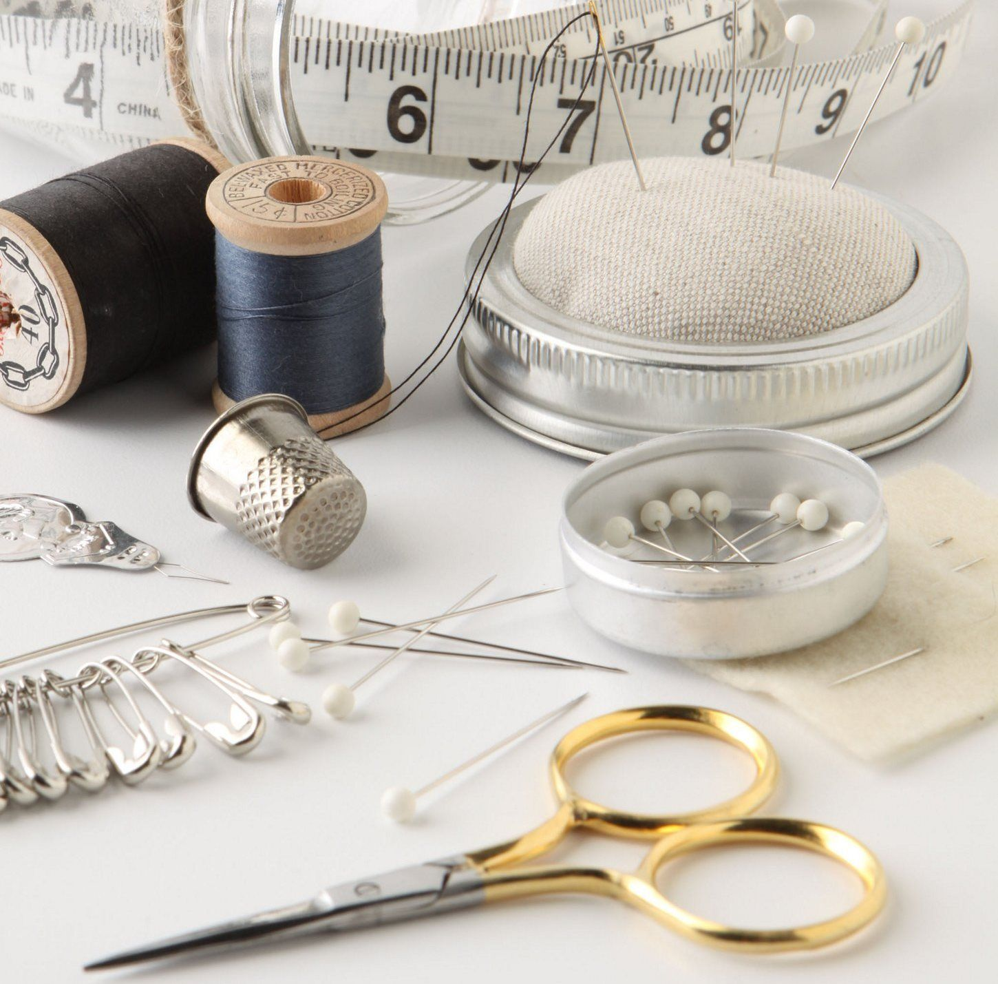 mason-jar-sewing-kit-materials.jpg