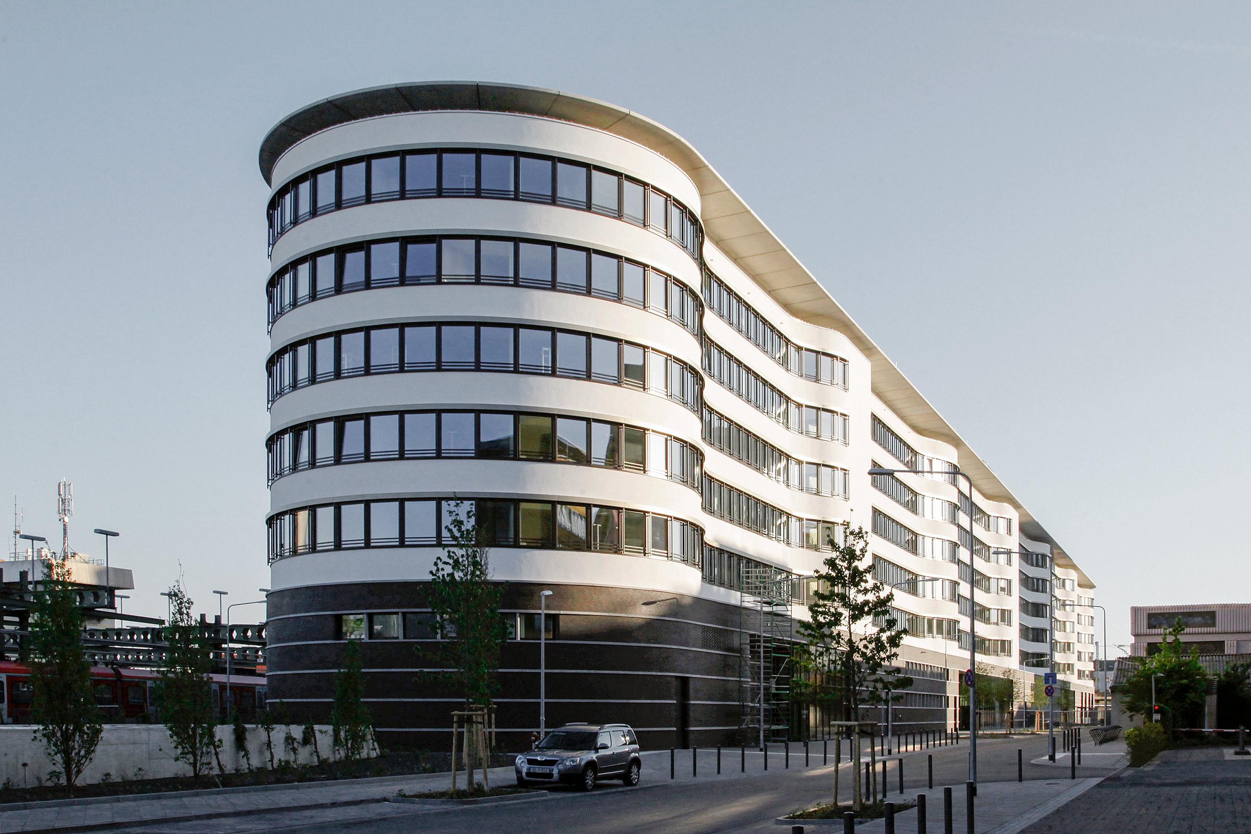architekten frankfurt am main erweiterung der europischen schule in frankfurt am main nkbak. Black Bedroom Furniture Sets. Home Design Ideas
