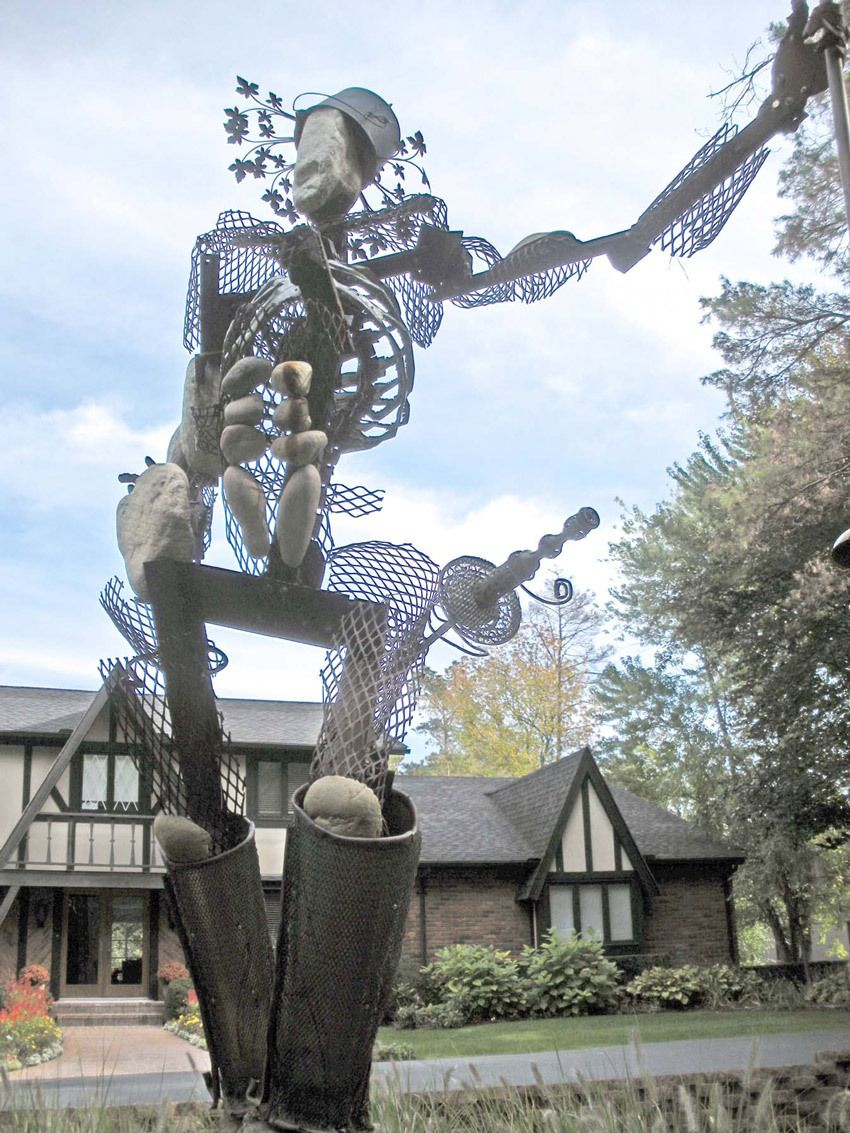 Best Detroit Artists sculpture comissioned