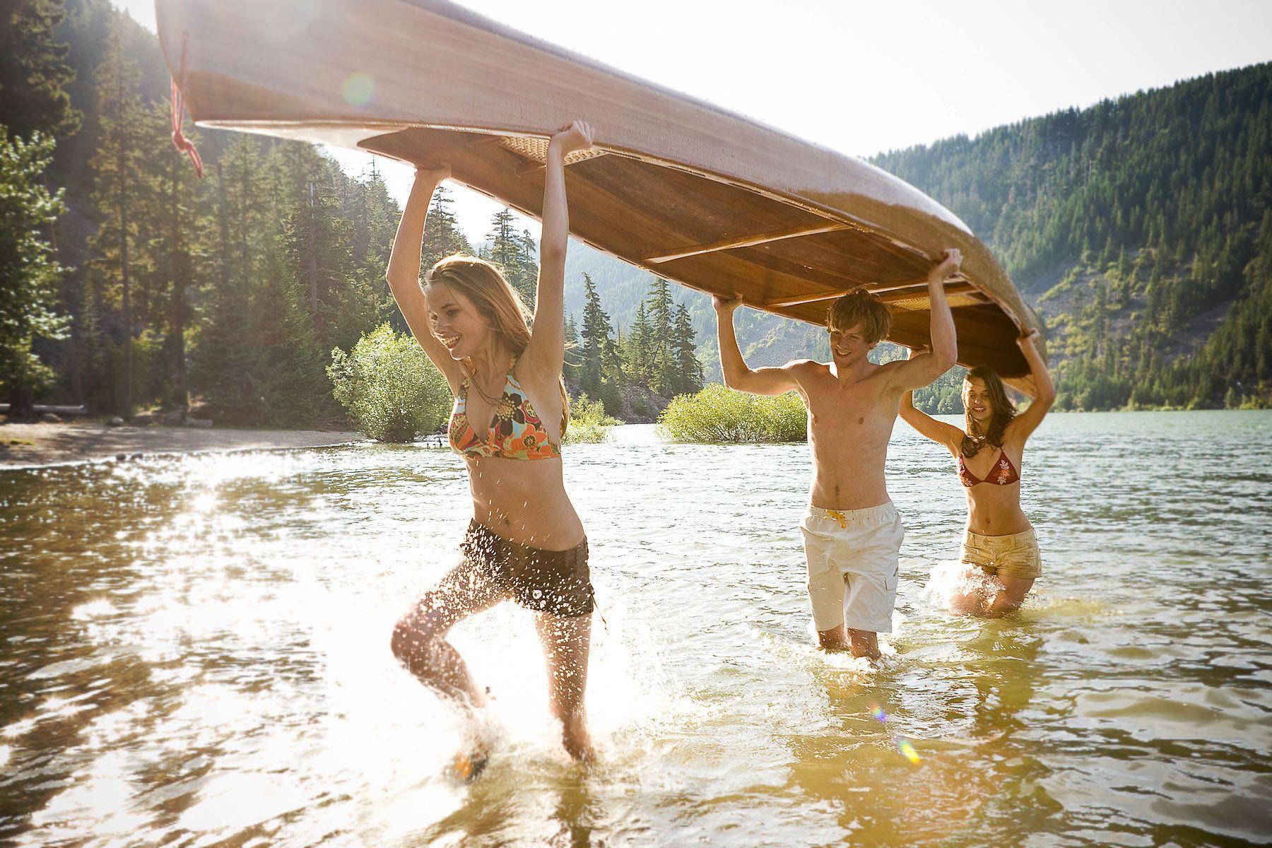 1splash_canoe.jpg