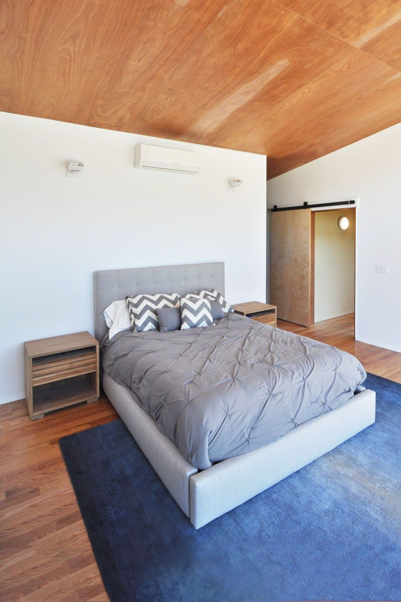 1bedroom_doorway