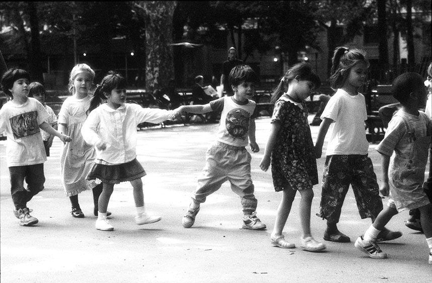 1school_kids_holding_hands__.jpg