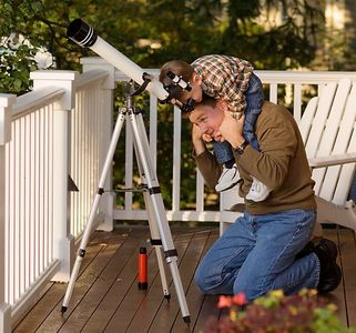 1dad_son_telescope_color001728.jpg