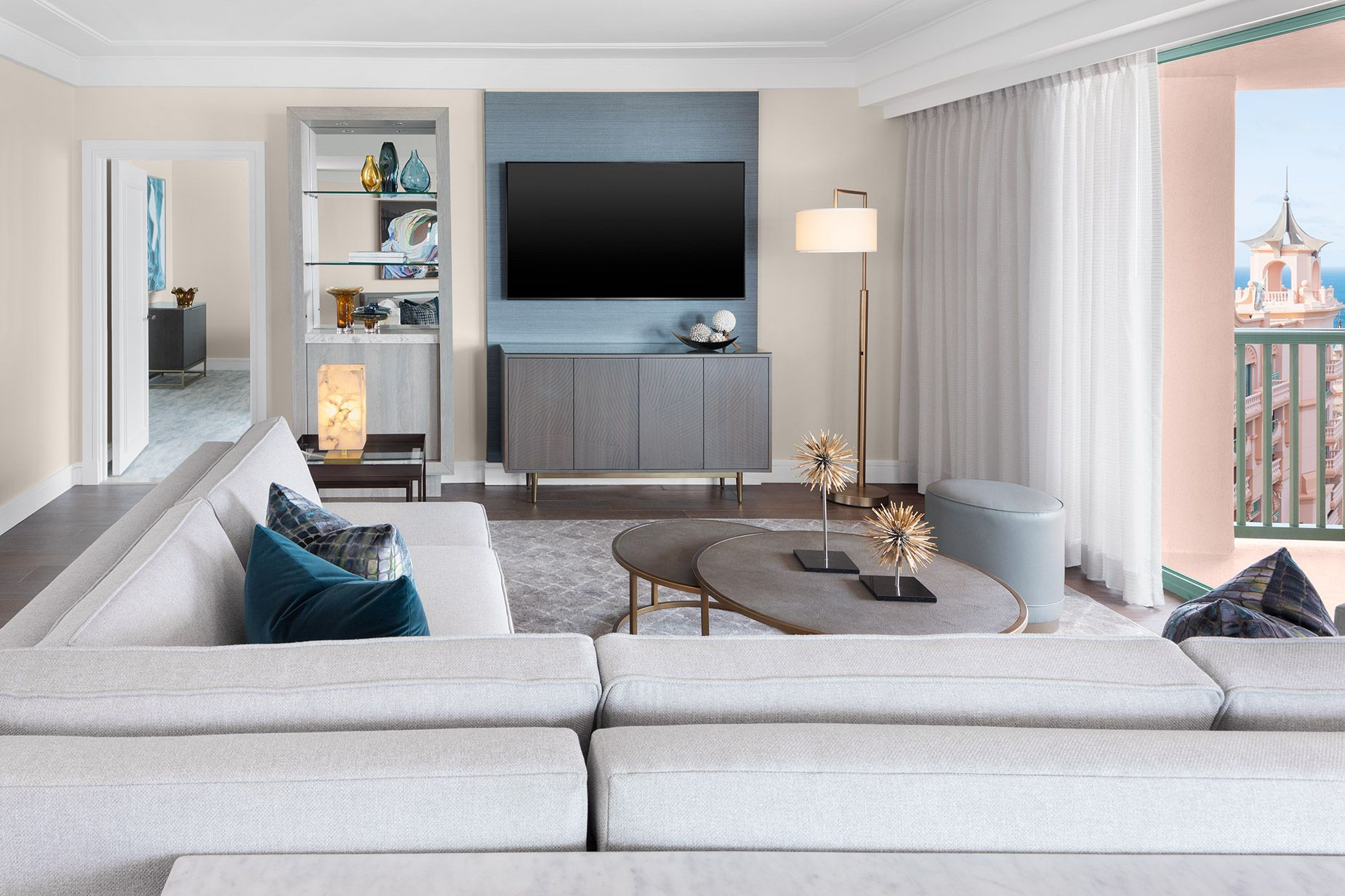 AK_NASAK_Royal_Grand_Suite_Livingroom.jpg