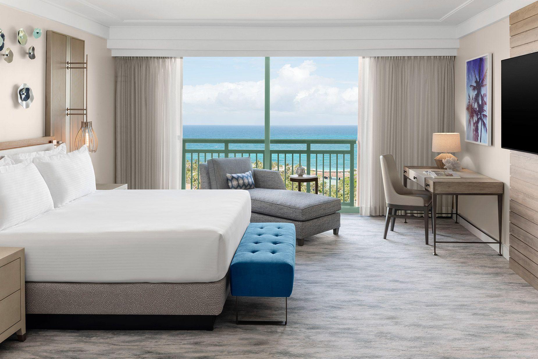AK_NASAK_Royal_Grand_Suite_Bedroom_001.jpg