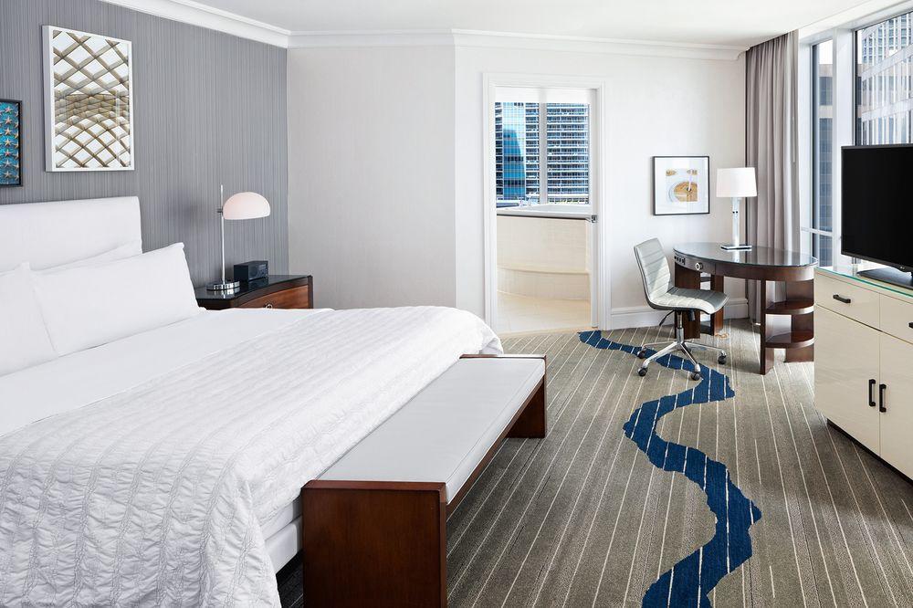 CV_MER_WASRL_Presidential_Suite_Bedroom.jpg