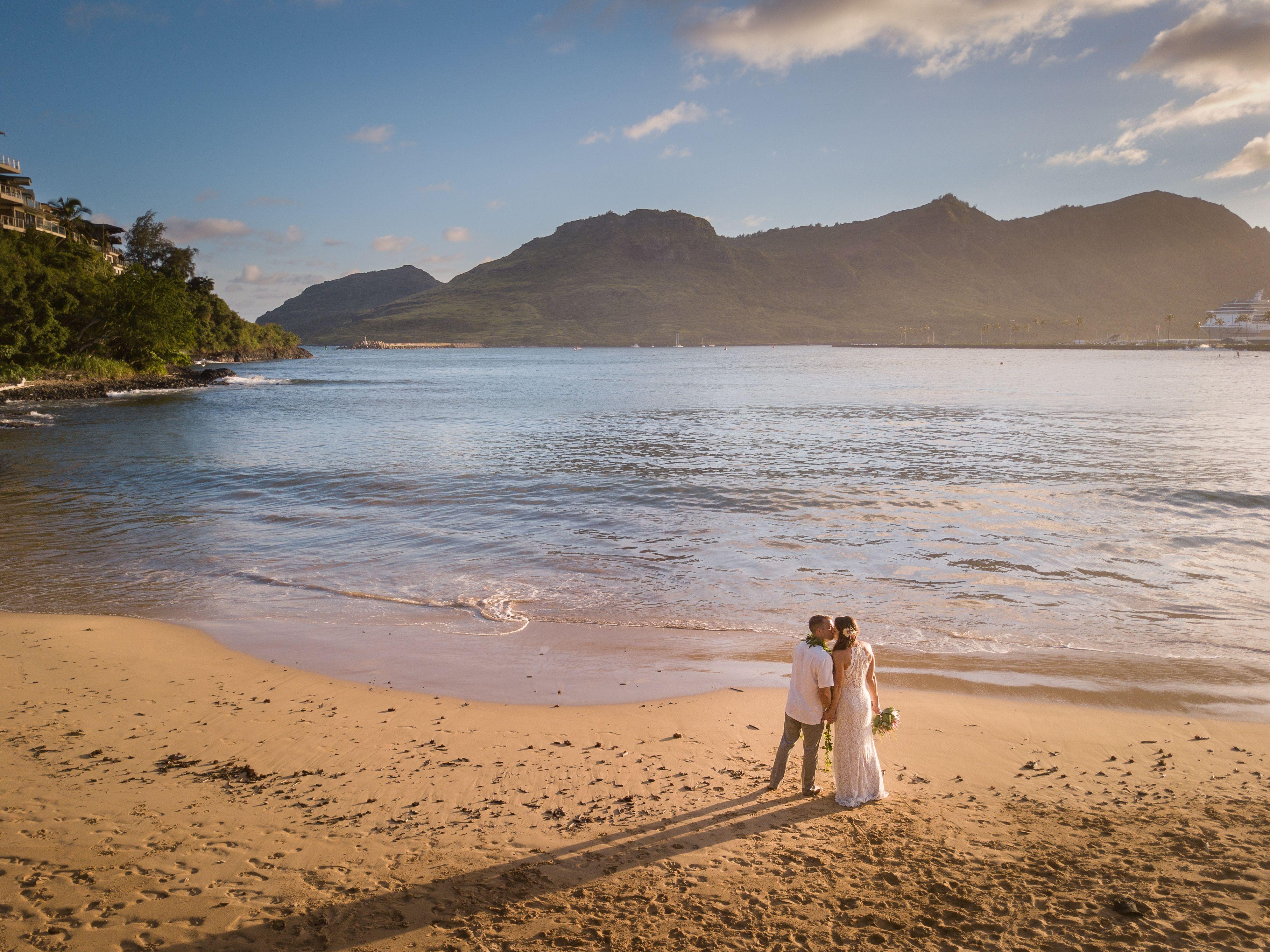 Beach Kiss_Ian Karie.jpg