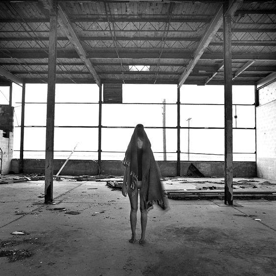 11-holly_warehouse_guru_live