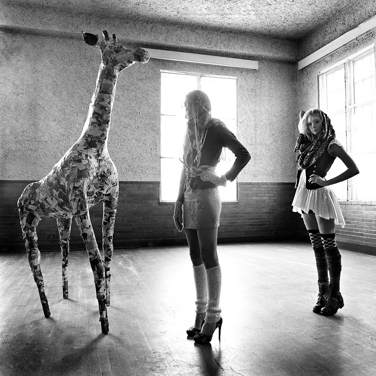 1mellisa_haley_girafe_windows_2_