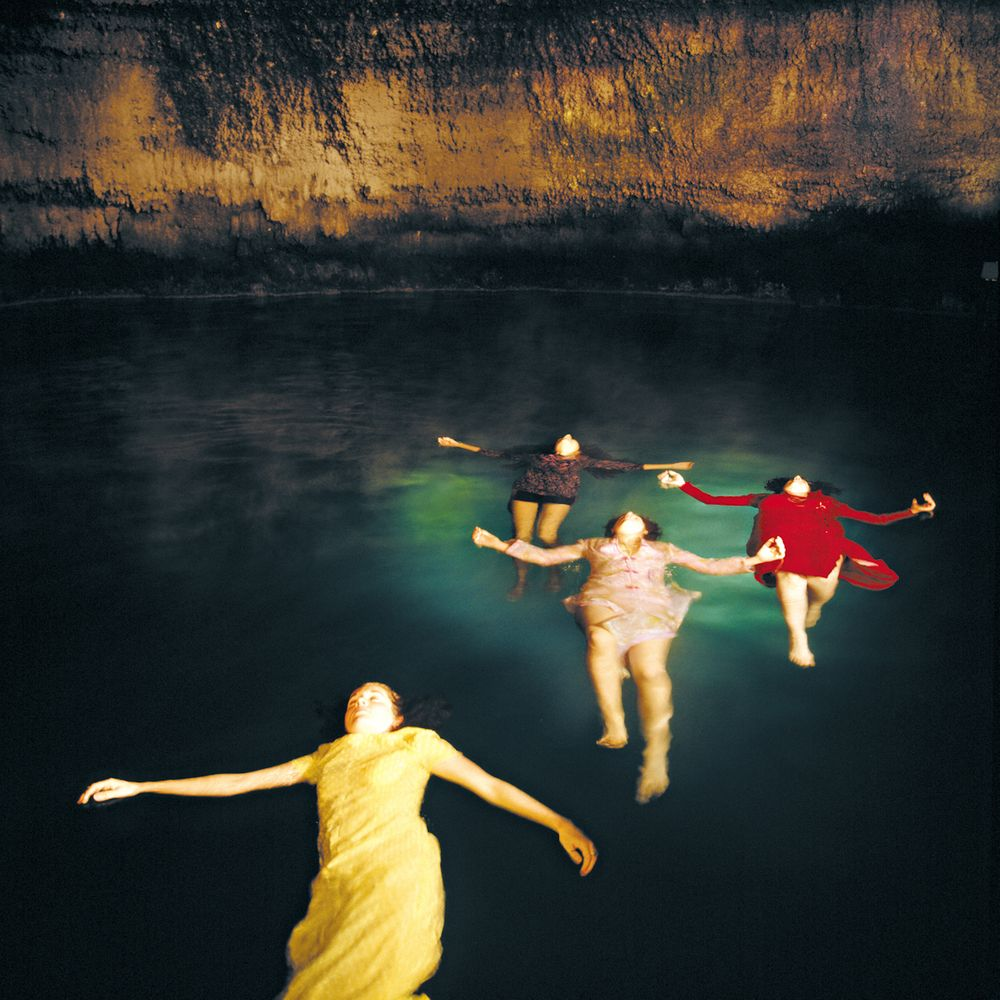 1woman_floating_refined