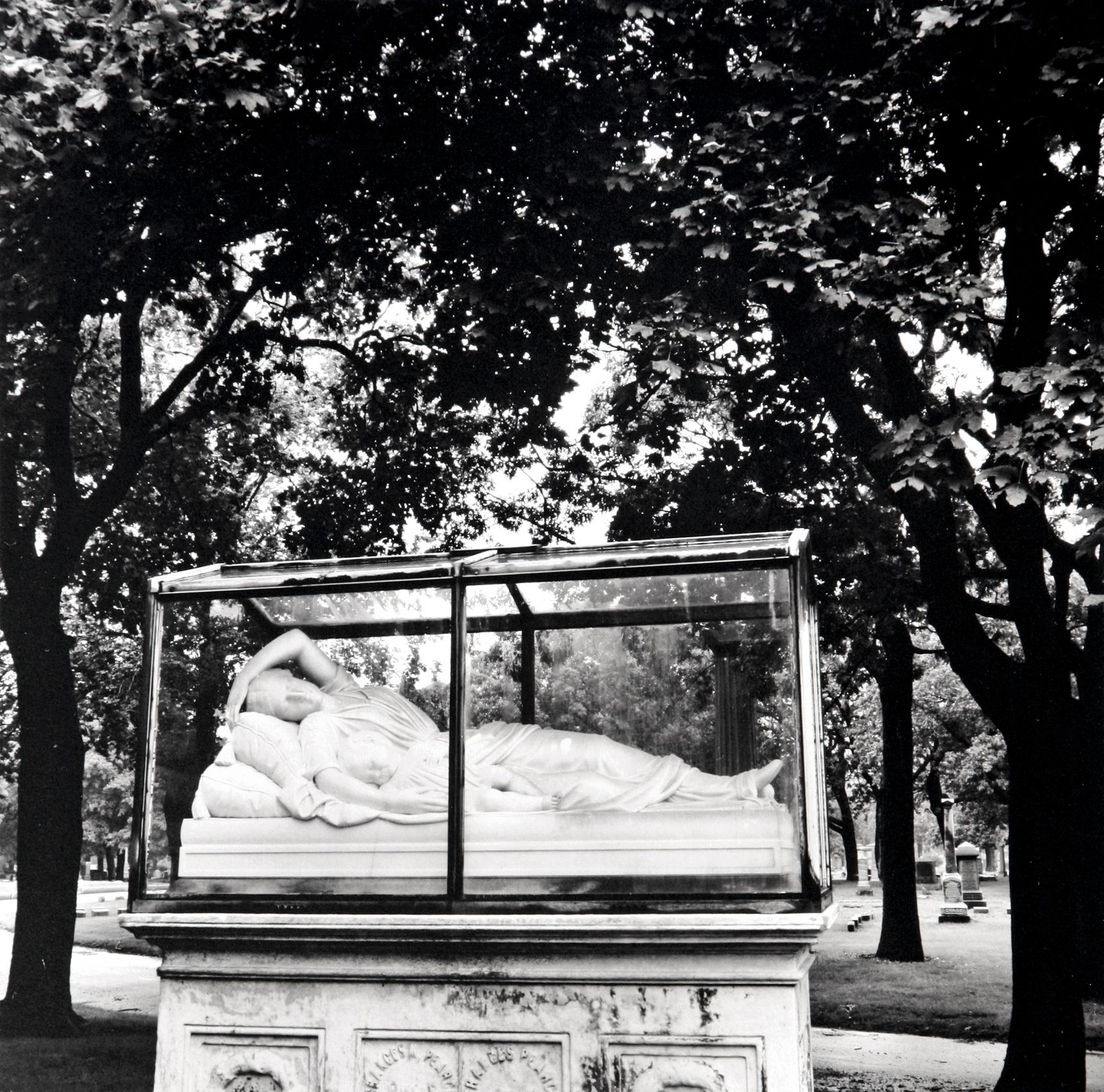 """Sleeping Mother and Child"", Roseland Cemetery, Chicago,  2006"