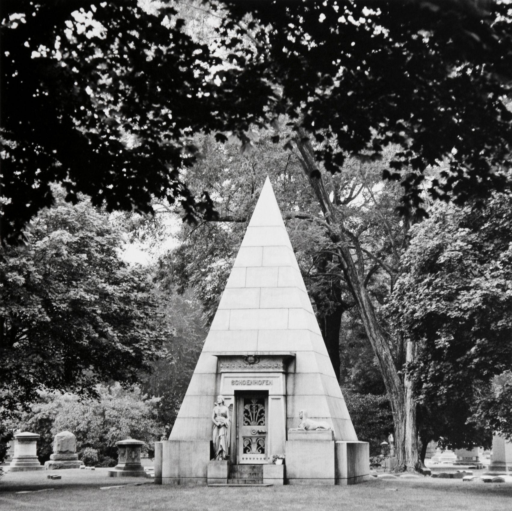 """"""" Schoenhafen Mauseleum"""", Graceland Cemetery, Chicago,  2006"""