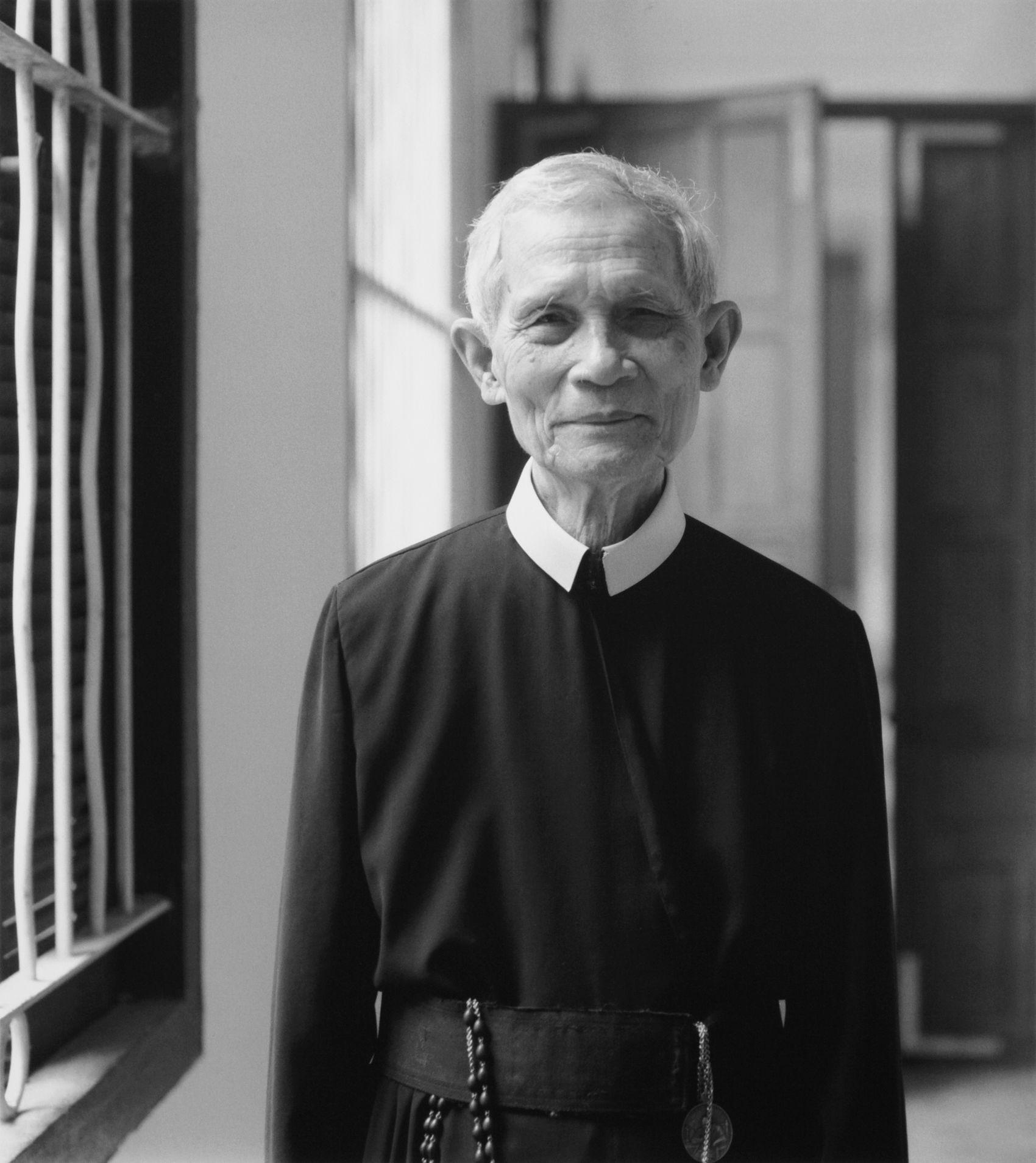 Old Priest, Hue