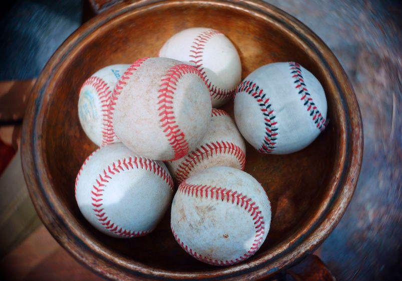 1bowlofbaseballs0131ac