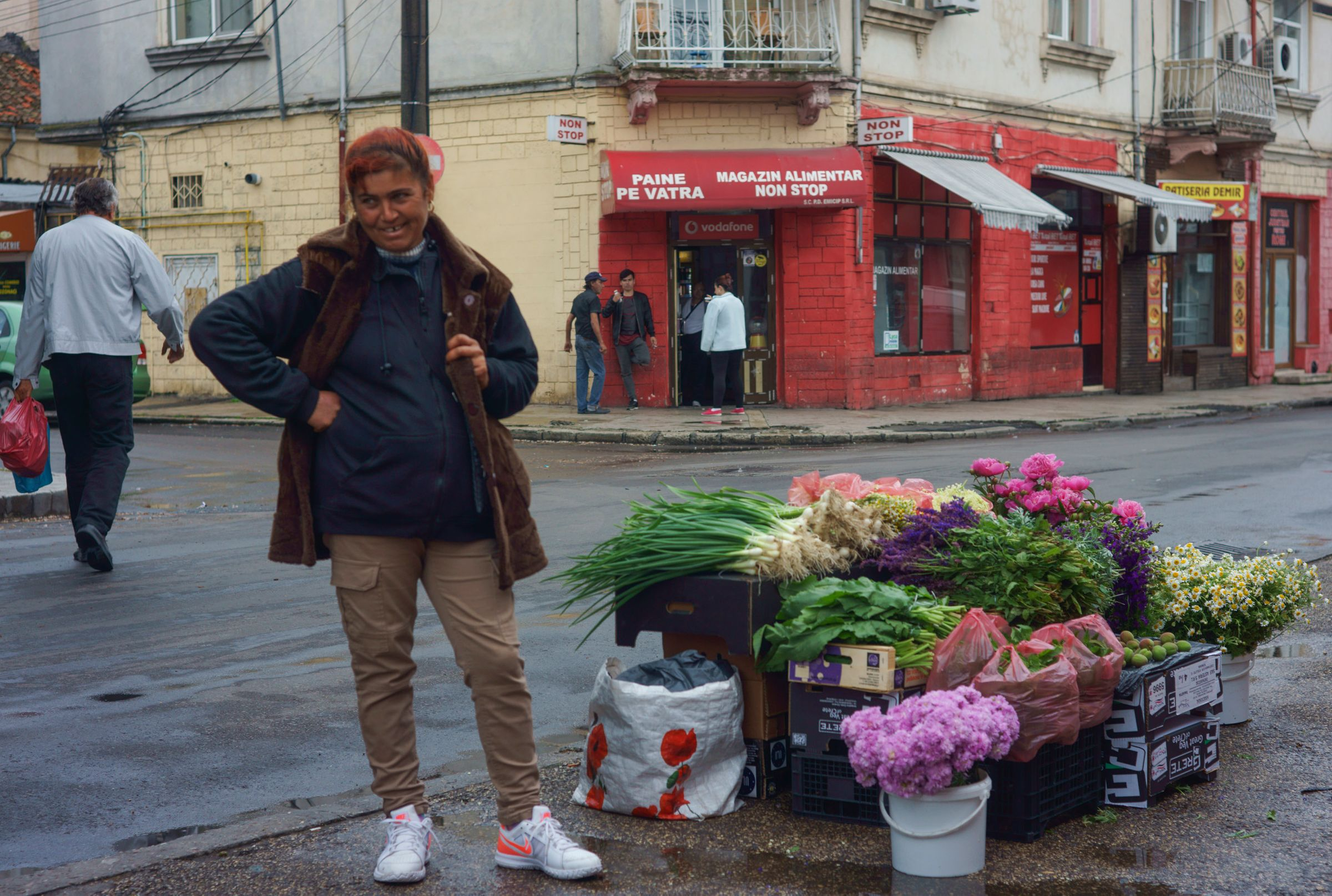 Flower Vendor, Comstanta