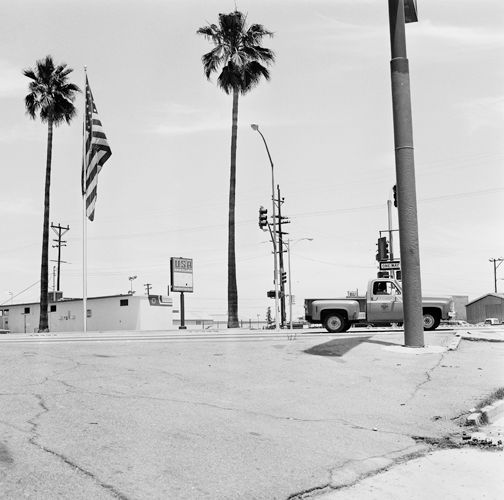 1017_bakersfield_palms_flag_truck_cement_7_77___sw_edit_height_500px