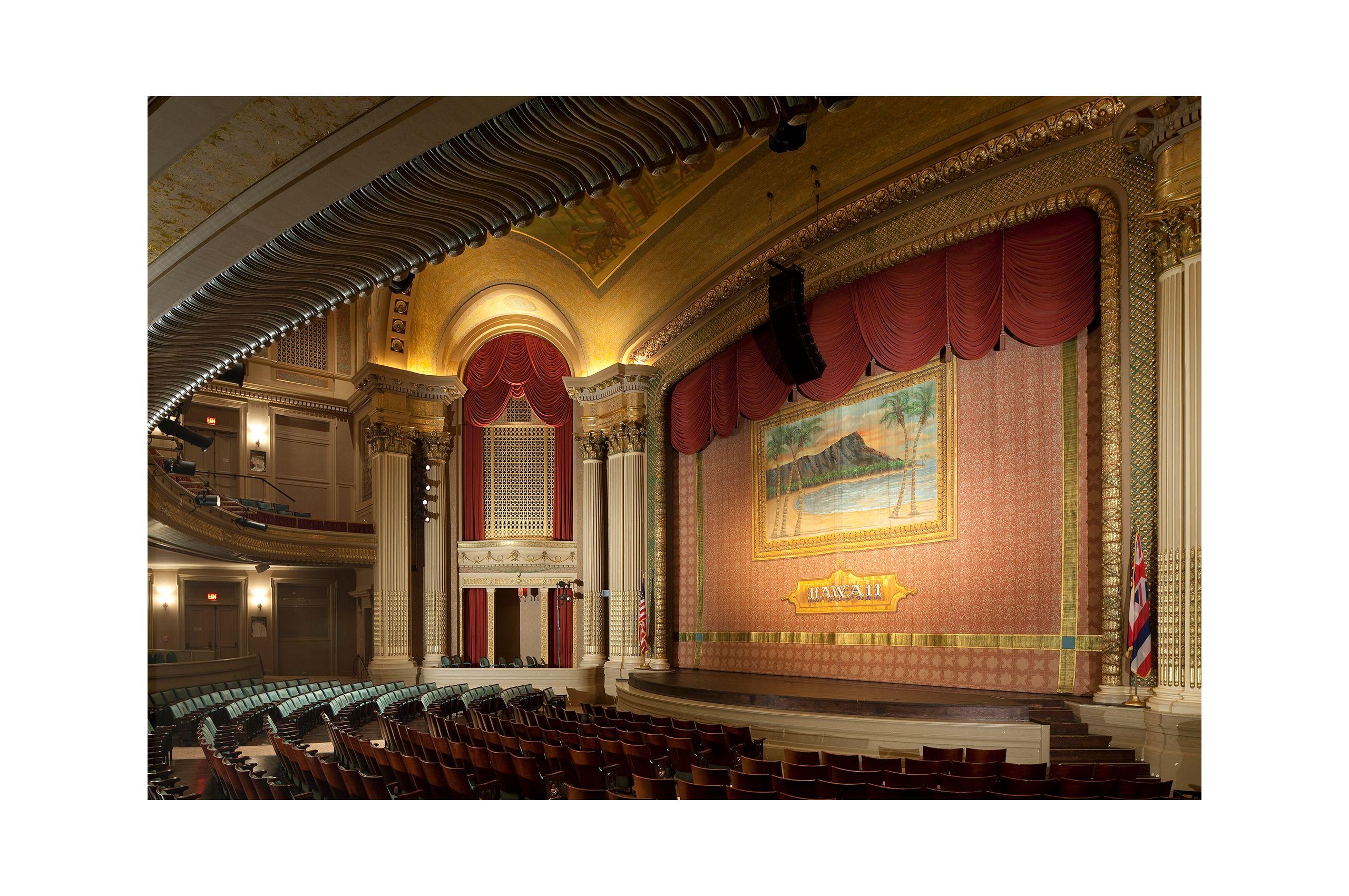 NEWLIVEBOOKS-HawaiiTheater.jpg