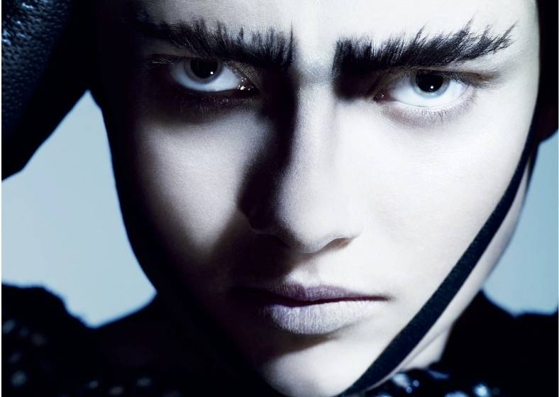 1Paint_It_Black_British_Vogue___1.jpg