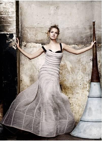 1Natalia_British_Vogue_2___3.jpg