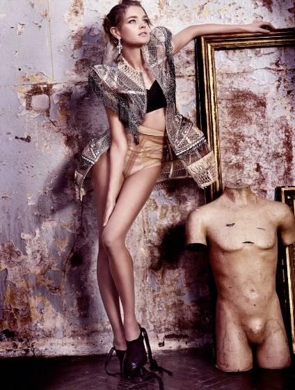 1Natalia_British_Vogue_2___5.jpg
