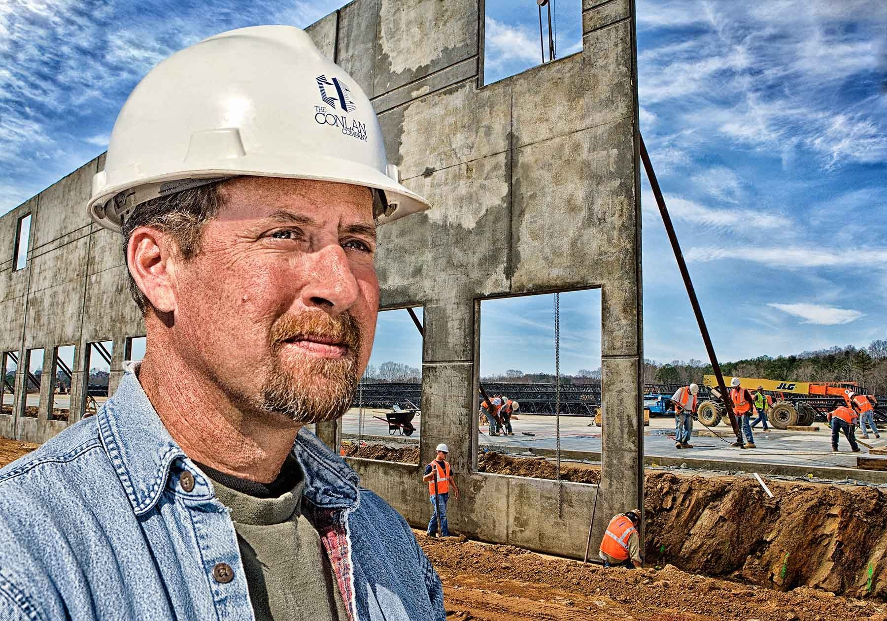 1work_construction_foreman_on_work_site