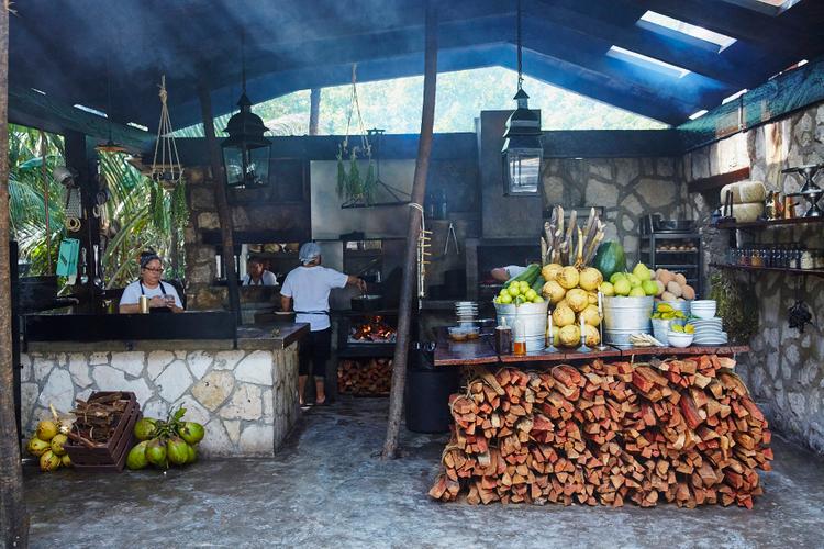 Hartwood Overall Interiors   Williams-Sonoma Open Kitchen   Hartwood Restaurant   Tulum Mexico 2016