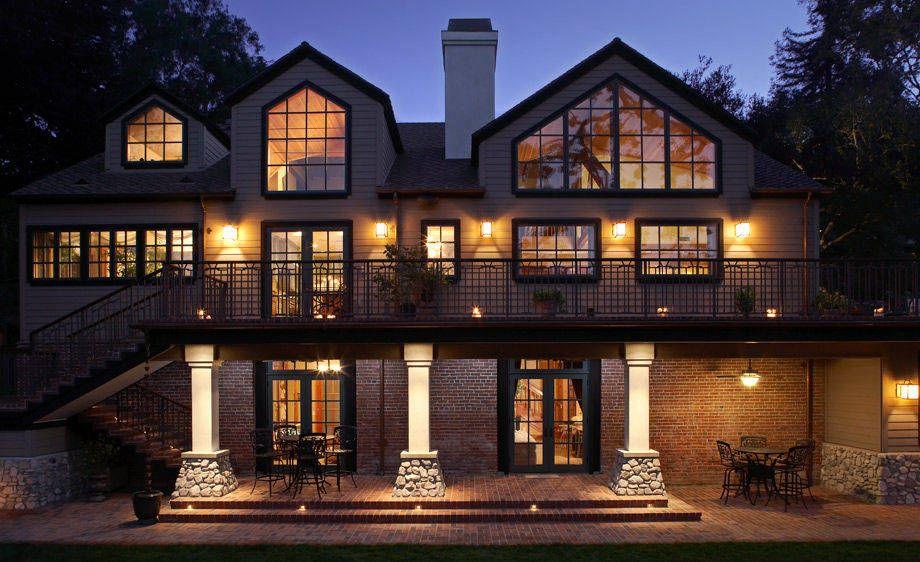 1Lund_house_exterior_dusk_BigWeb.jpg