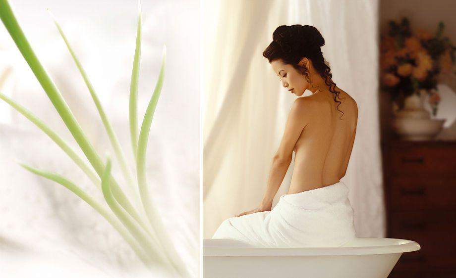 Asian Girl on Tub & Lily©richardruthsatz 2010