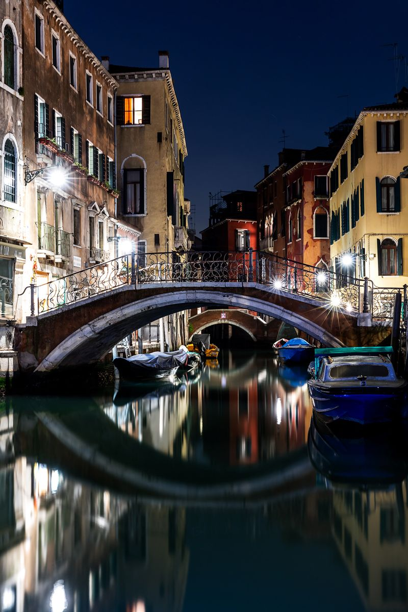 02 Venice at Night
