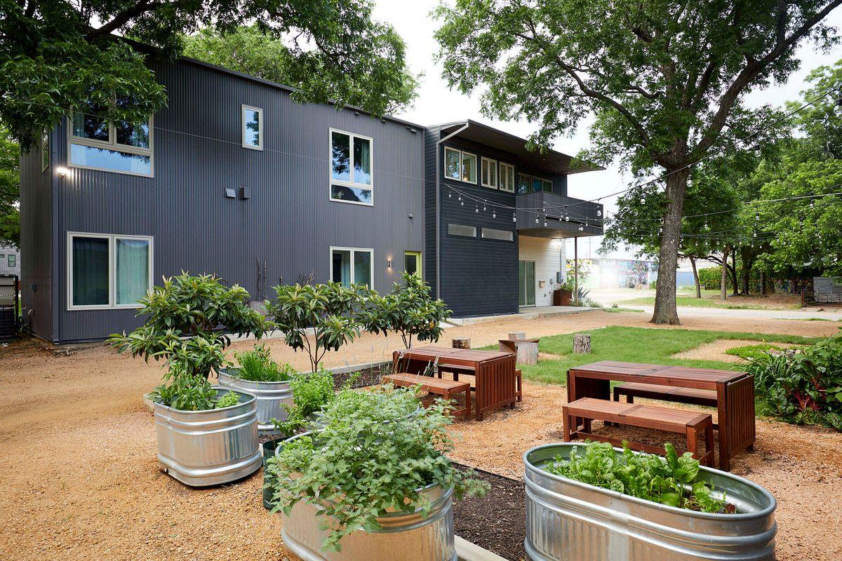 Ceadars Art House Contemporary Home Photo Video Shoot Location Dallas 05.jpg