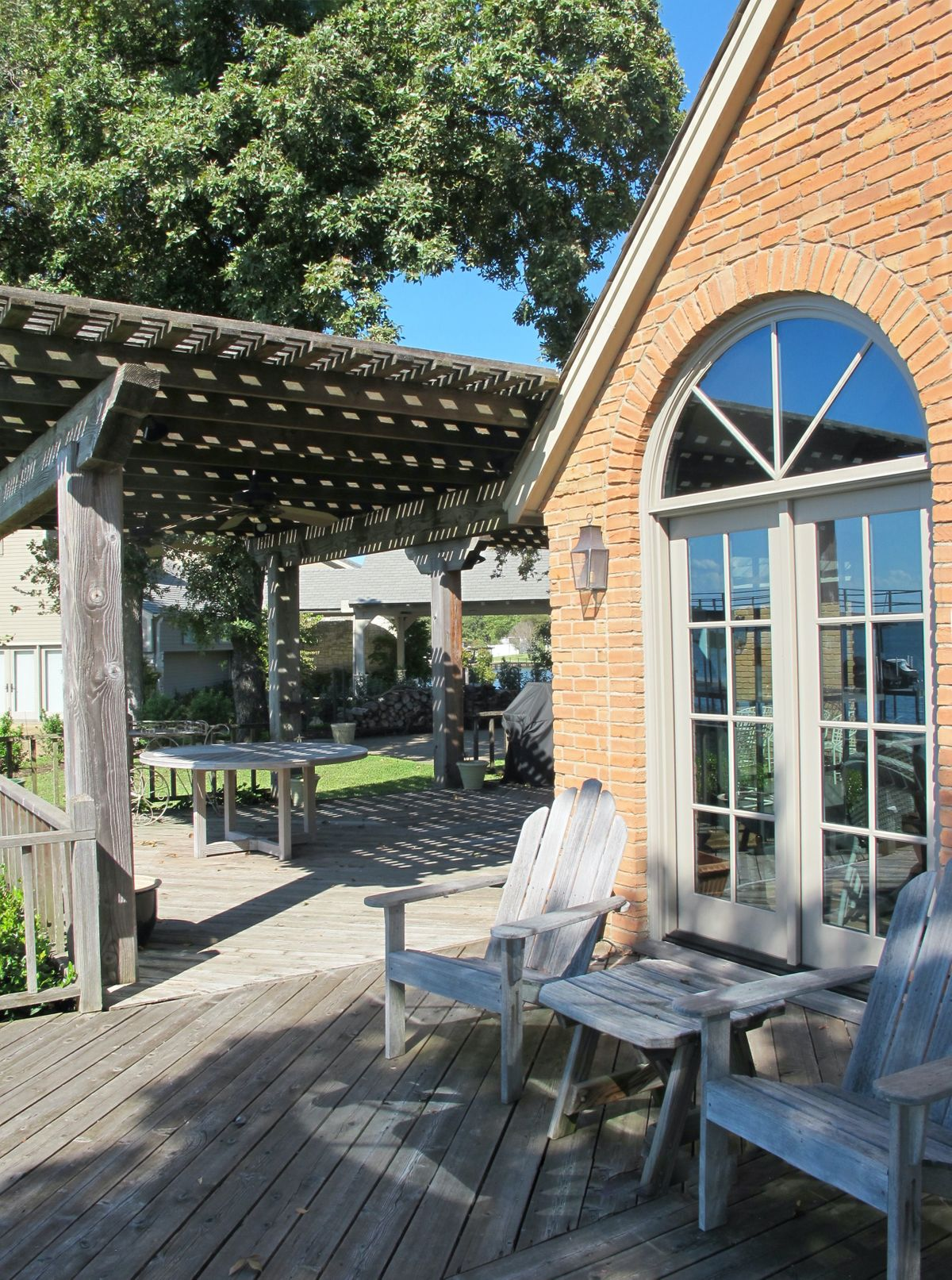 Pola Lakehouse Video Shoot Location Homes Dallas 46.jpg
