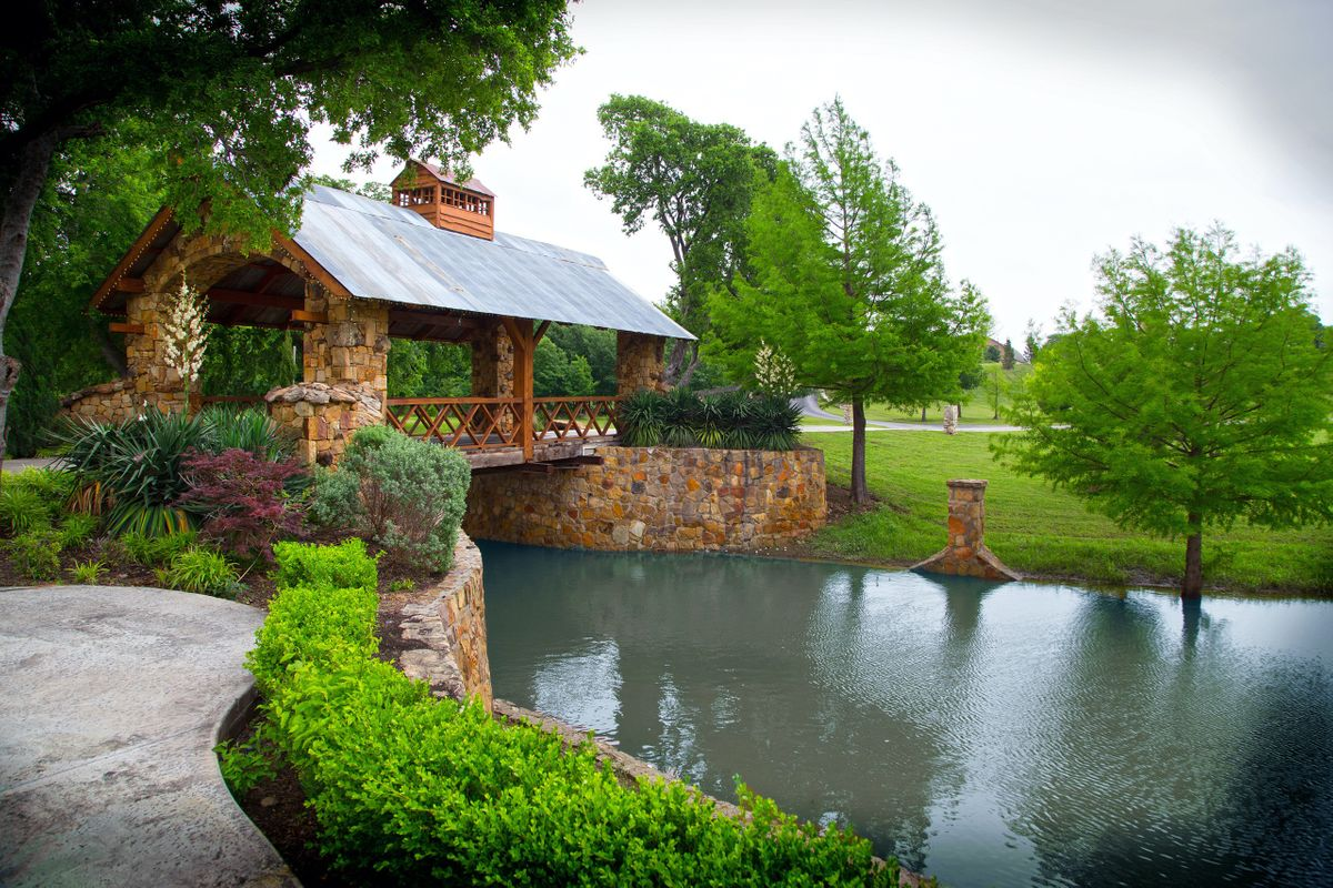 Sanders Hitch Traditional Home Photo Video Shoot Location Landscape Bridges  0.jpg
