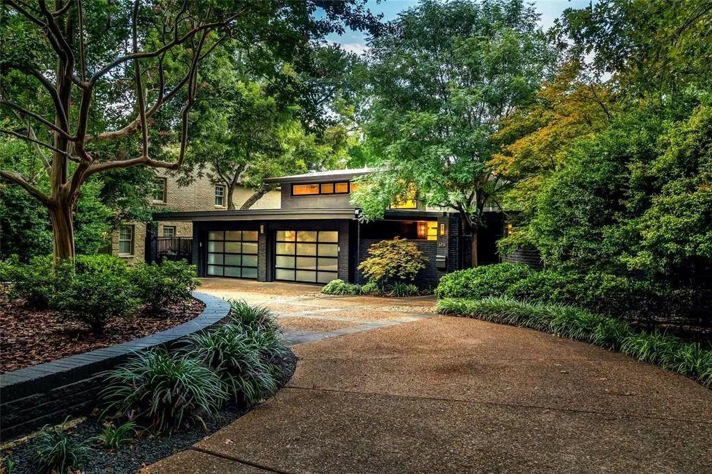 Harlow Contemporary Modern Home Photo Video Shoot Location Dallas  32.jpg