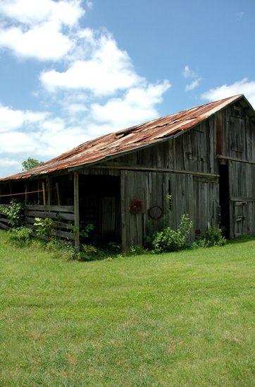 1r14_barn_ranchhouse_gibbons_00.jpg