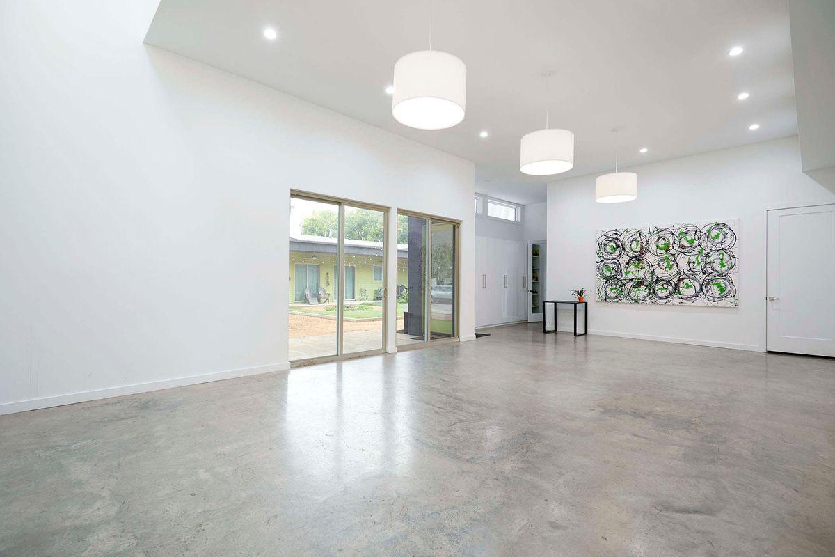 Ceadars Art House Contemporary Home Photo Video Shoot Location Dallas 11.jpg