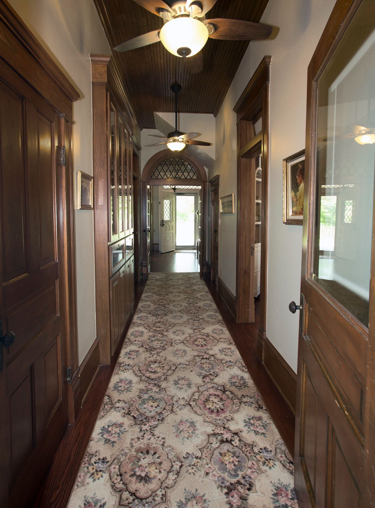 Sanders Hitch Traditional Home Photo Video Shoot Location Interior Rooms 18.jpg