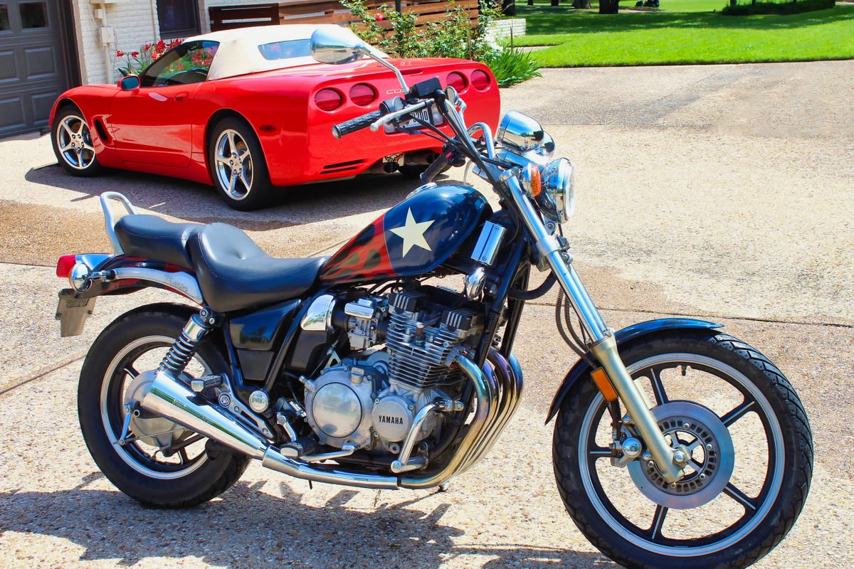 1985 Yamaha Maxim  Motorcycle  Photo Video Prop Car Vehicle Rental Dallas