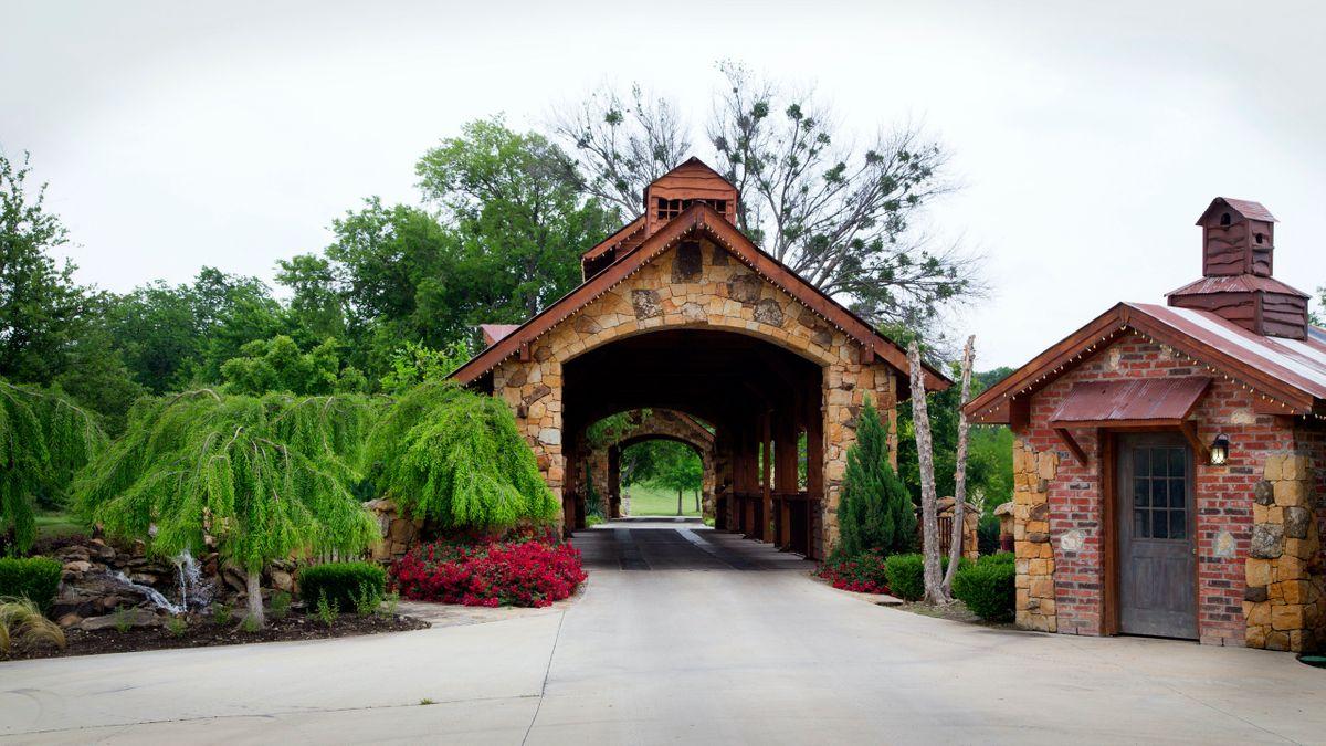 Sanders Hitch Traditional Home Photo Video Shoot Location Landscape Bridges  11.jpg