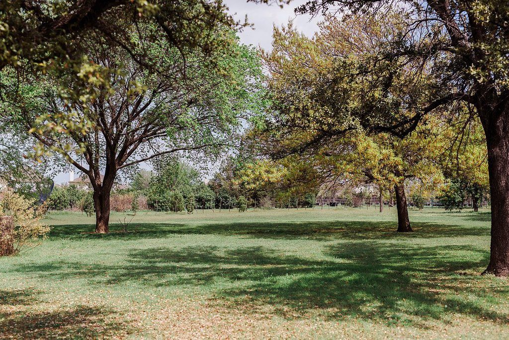 Sanders Hitch Traditional Home Photo Video Shoot Location Landscape 0.jpg