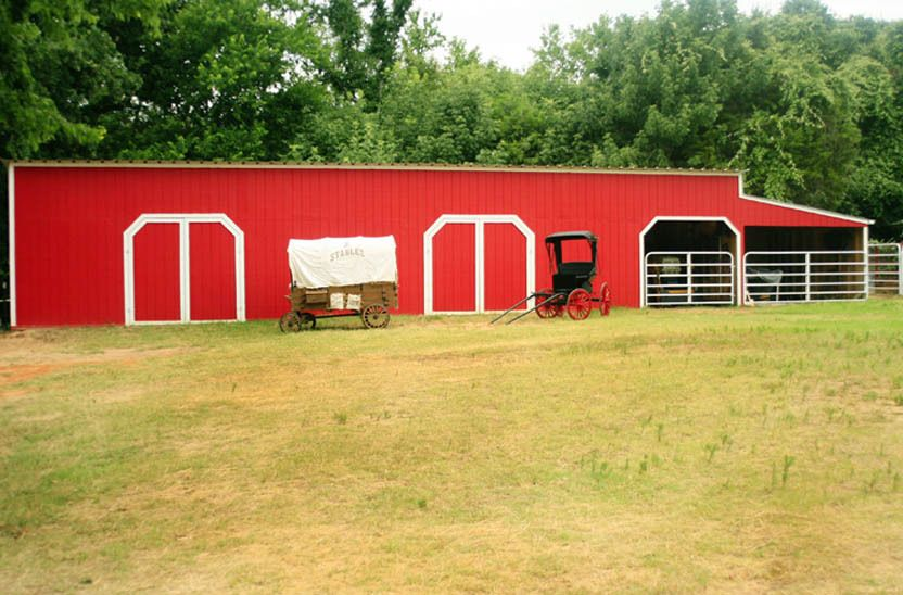 1r35_barn_bankston_ranch_00.jpg