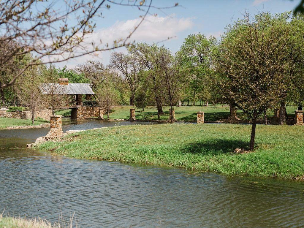 Sanders Hitch Traditional Home Photo Video Shoot Location Landscape Bridges  10.jpg